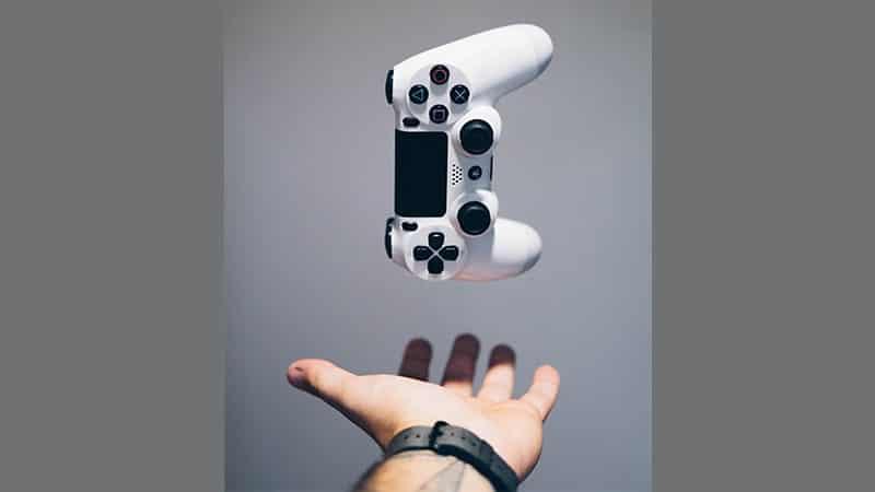 Kata-Kata Bijak Anak Gamers - Melempar Konsol