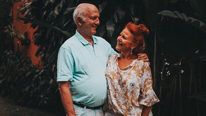 Ucapan Selamat Ulang Tahun Pernikahan - Pasangan Senior