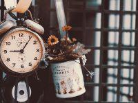 Kata-Kata Bijak tentang Waktu - Jam Analog