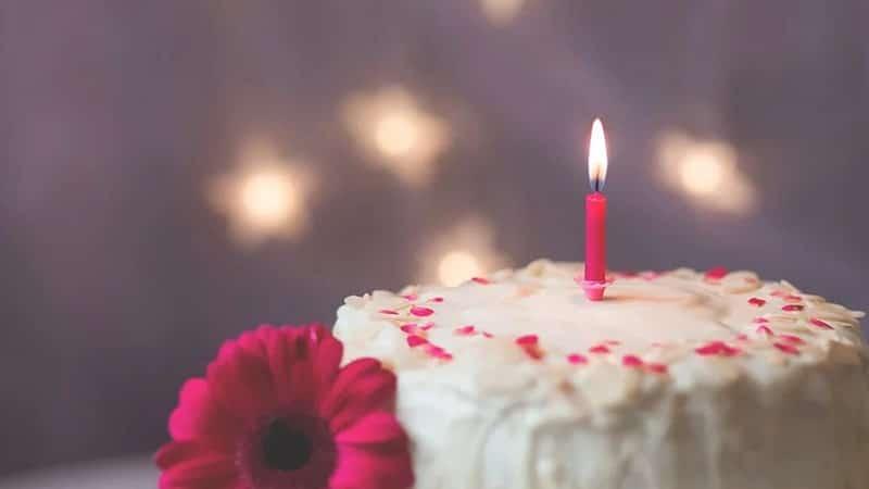 Kata-Kata Ulang Tahun untuk Diri Sendiri - Kue dan Bunda