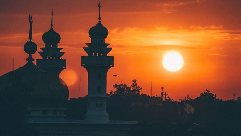 Kata-Kata Mutiara Cinta Islami yang Menyentuh Hati - Masjid Matahari Terbenam