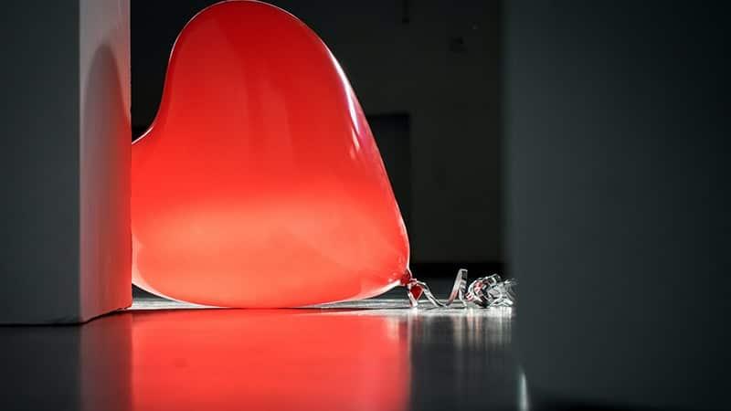 Kata-Kata Bijak Bahasa Jawa tentang Cinta - Balon Merah