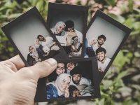 Kata Mutiara Teman Seperjuangan - Foto Polaroid Sahabat