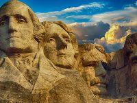 Kata-Kata Bijak Bahasa Inggris dari Orang Terkenal - Patung Mantan Presiden Amerika