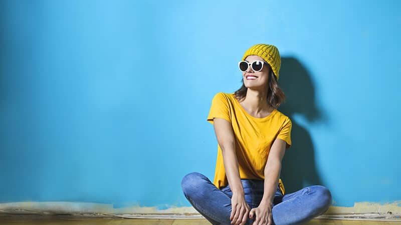 Kata-Kata Mutiara Bahagia Singkat - Wanita Tersenyum