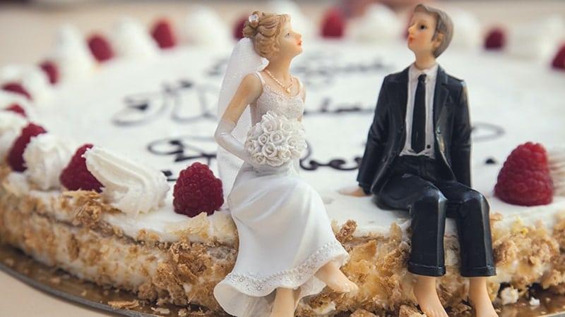 Kata-Kata Bijak dalam Hubungan Rumah Tangga - Kue Pernikahan