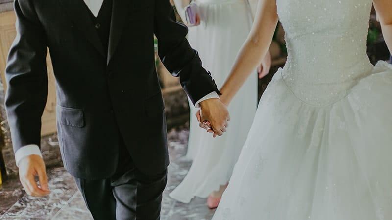 Kata-Kata Bijak dalam Hubungan Rumah Tangga - Pasangan Menikah