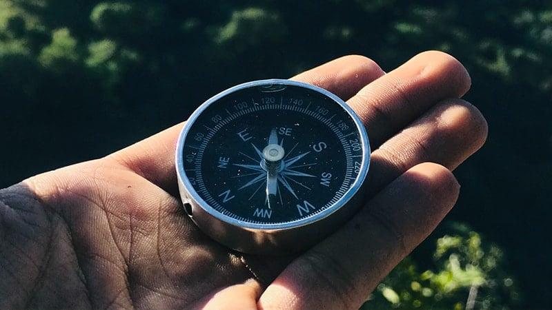 Kata-Kata Diam Lebih Baik - Kompas