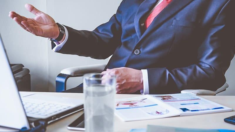 Kata Mutiara untuk Suami yang Sedang Bekerja - Bos di Kantor