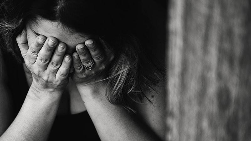 Kata Mutiara Kecewa sama Suami - Perempuan Sedih