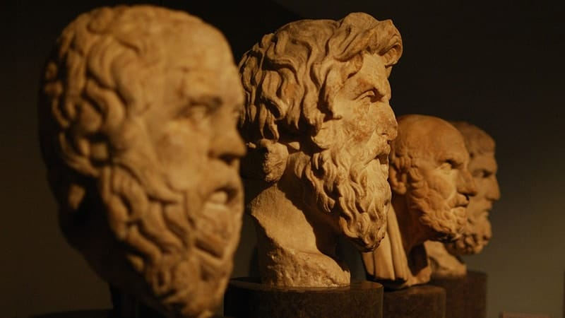 Arti & Pengertian Filsafat - Patung Filsuf Yunani