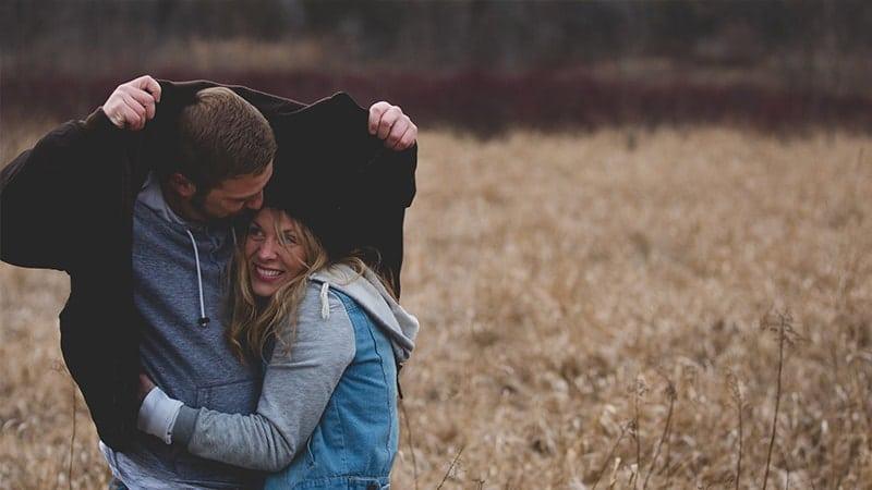 Kata Mutiara Suami kepada Istri - Pasangan Bahagia