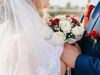 Kata-Kata Bersyukur Punya Suami Sepertimu - Buket Bunga