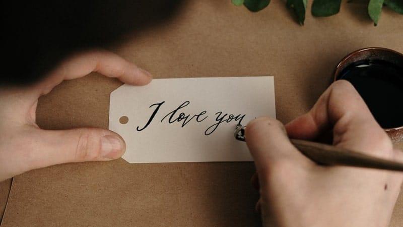 Kata-Kata Gombal buat Pacar yang Jauh - Surat Cinta