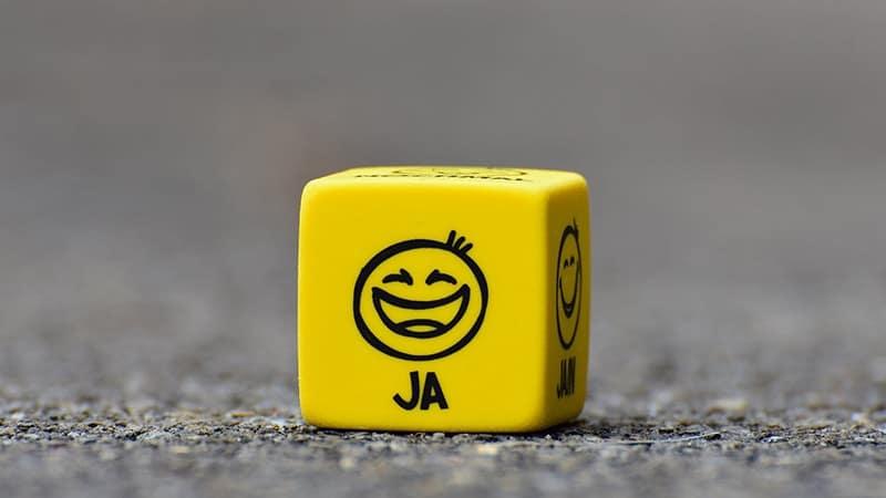 Kata-Kata Gombal Perbedaan - Dadu Emoji