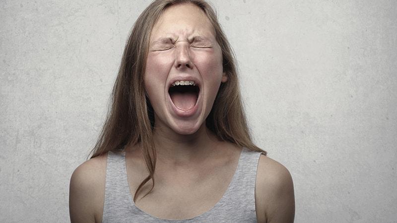 Kata-Kata Sindiran buat Teman yang Merebut Pacar - Ekspresi Kekesalan