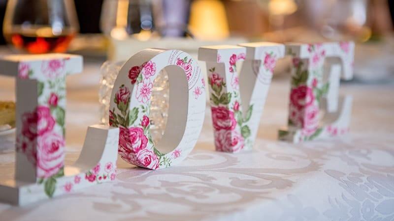 Kata-kata Bijak Cinta - Love