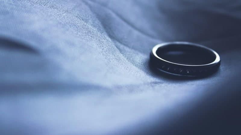 Kata-Kata Sindiran buat Suami Pembohong - Berpisah