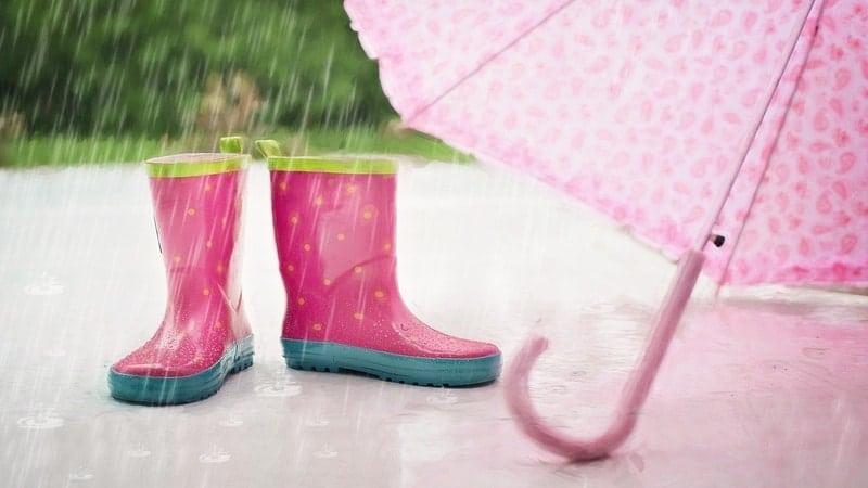 Quotes Hujan Humor - Payung dan Boots