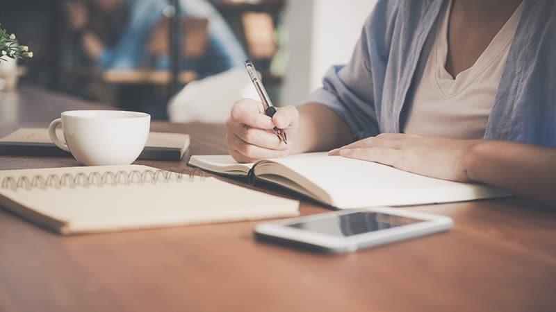 Kata-Kata Semangat Kerja Keras demi Masa Depan - Menulis