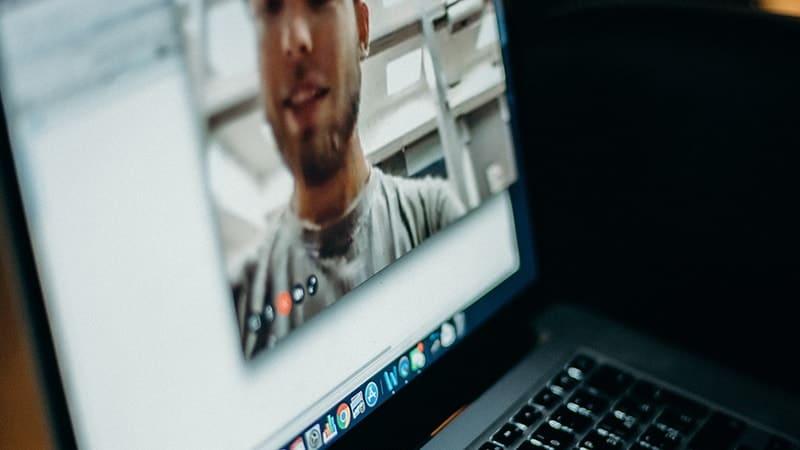 Kata-Kata LDR Sedih - Video Call