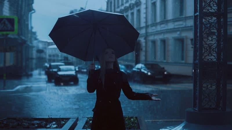 Kata-Kata Hujan Malam - Terjebak Hujan