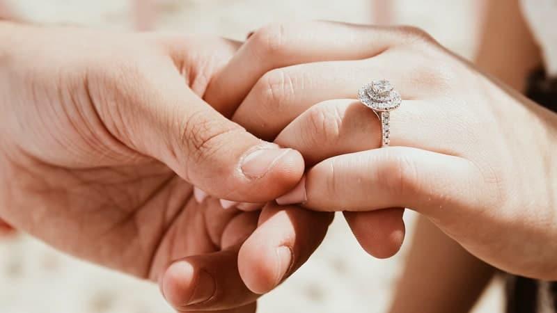 Ucapan Pernikahan untuk Saudara - Cincin