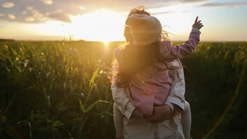 Kata-Kata Ibu adalah Segalanya - Di Ladang Rumput