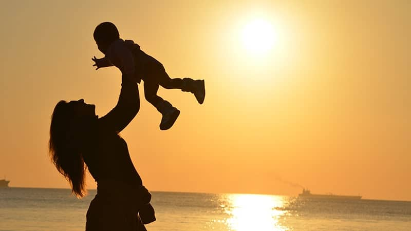 Kata-Kata Ibu adalah Segalanya - Di Pantai