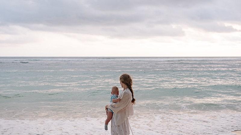 Kata-Kata Harapan Seorang Ibu untuk Anaknya - Di Tepi Pantai
