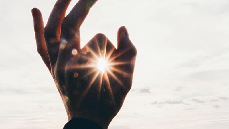 Kata-Kata Aku Sayang Kamu buat Pacar - Matahari