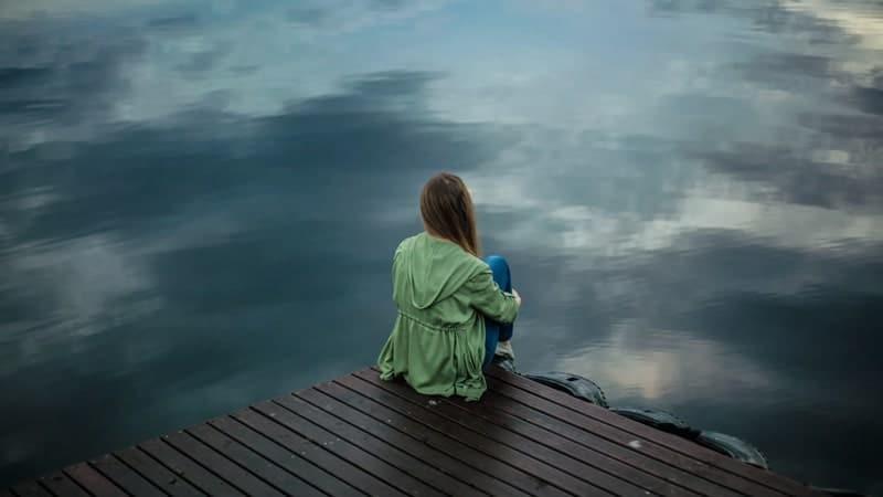 Kata Kata Kecewa untuk Seseorang - Menyendiri