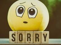 Kata-Kata Minta Maaf buat Pacar yang Lagi Marah - Emot Sedih