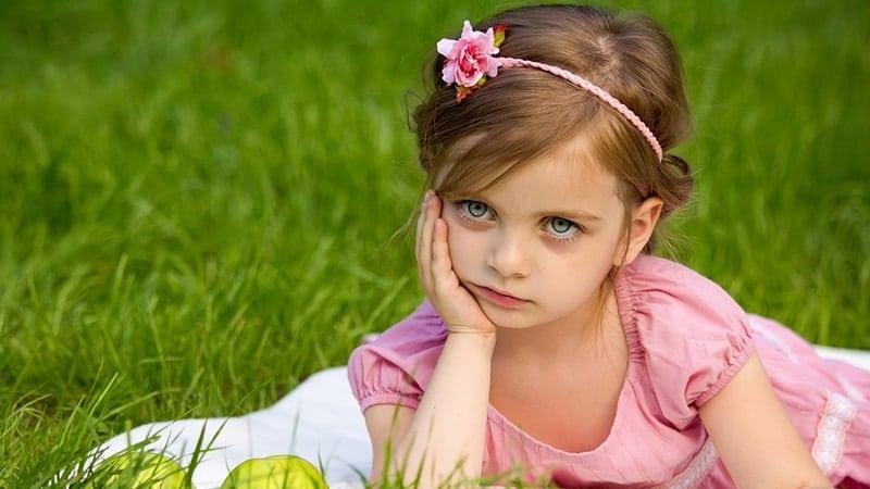 Kata-Kata Bernada Marah Elegan - Anak-Anak Terlihat Kesal