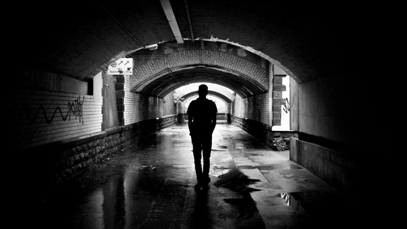 Kata Kata Hidup Sendiri - Terowongan