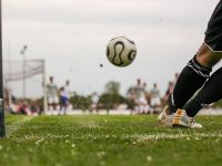 Kata-Kata Pemain Bola - Menendang Bola