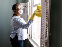 Kata-Kata tentang Kebersihan - Membersihkan Jendela