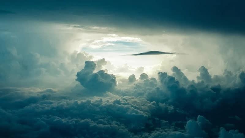 Kata-Kata tentang Langit - Langit Berawan