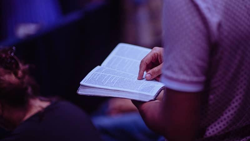 Kata-Kata Bijak Alkitab - Membaca Alkitab