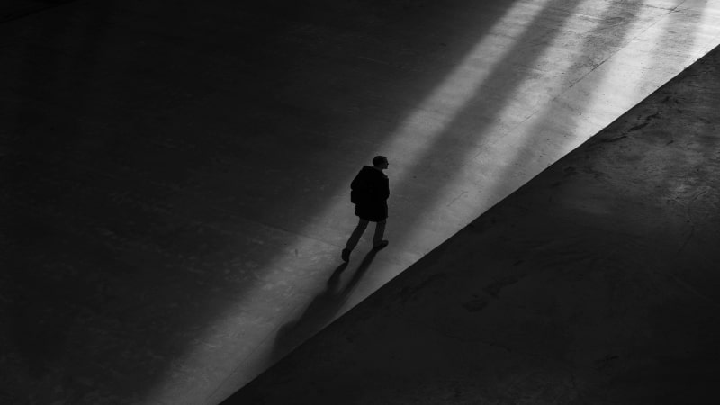 Berjalan dalam Kesendirian