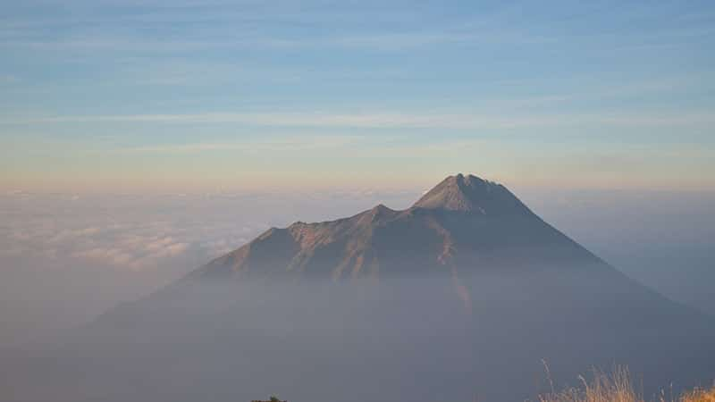 Cerita Legenda Gunung Merapi - Puncak Gunung