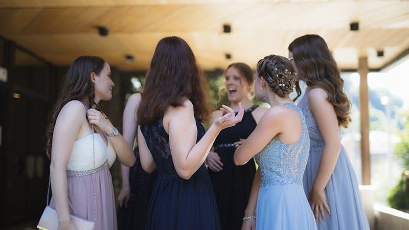 Kata-kata ucapan - Pernikahan teman
