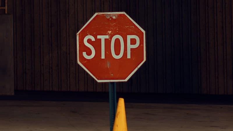 Kata-Kata Jangan Mengeluh - Tanda Stop