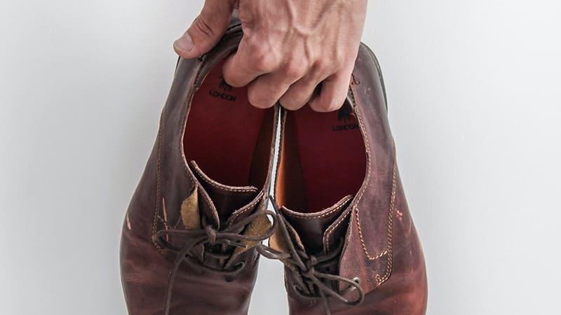 Kata-Kata Jangan Mengeluh - Sepatu