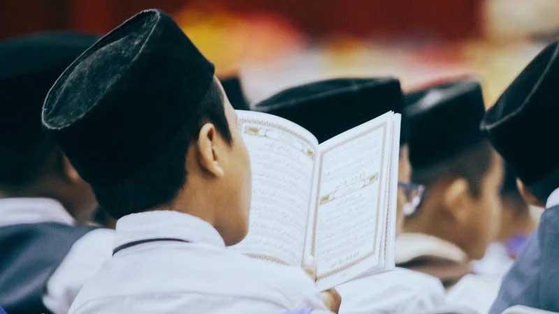 Ucapan Terima Kasih untuk Guru Ngaji - Membaca Alquran