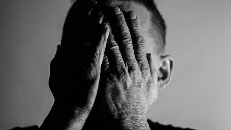 Kata-Kata Maaf untuk Istri Tercinta - Sedih