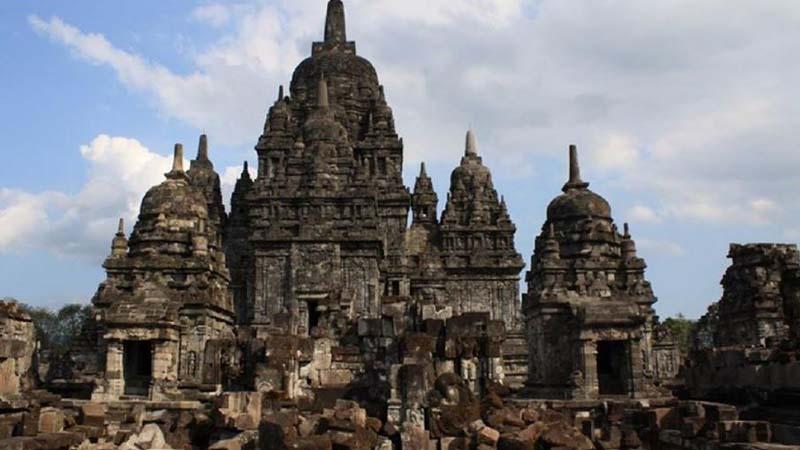 Sejarah Kerajaan Kutai - Bangunan Candi