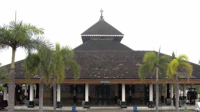 Masjid Agung Peninggalan Kerajaan Demak