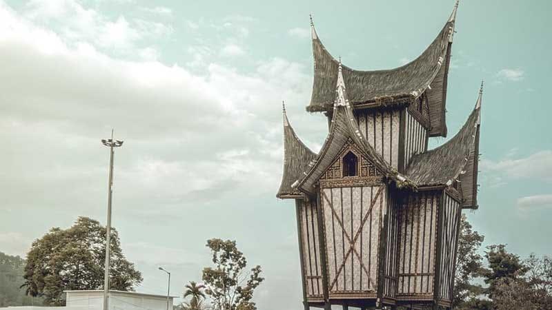 Cerita Minang Rambun Pamenan - Rumah Adat Minangkabau