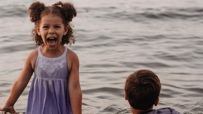Kata-Kata Hidup Sederhana tapi Bahagia - Tertawa Lepas